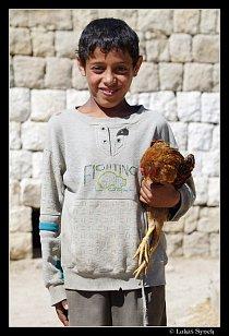 Výjimečně hodný chlapeček z vesnice u At-Tawily.
