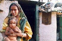 Žena ze skupiny polokočovných kovářů Gadulia Lohare, Udaipur- Radžastán (Indie), 2002.