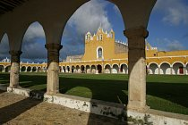 Izamal, the yellow city - covent of St. Antonio