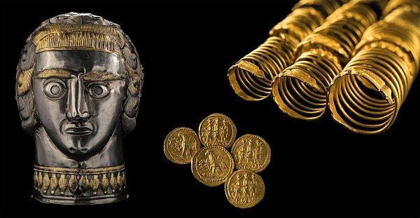 Zlaté mince sřímskými motivy a náramky, znichž každý vážil až kilogram, byly uloupeny ztrosek dáckého hlavního města Sarmizegetusy