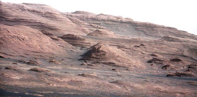 První pohlednice z Marsu: Curiosity se činí