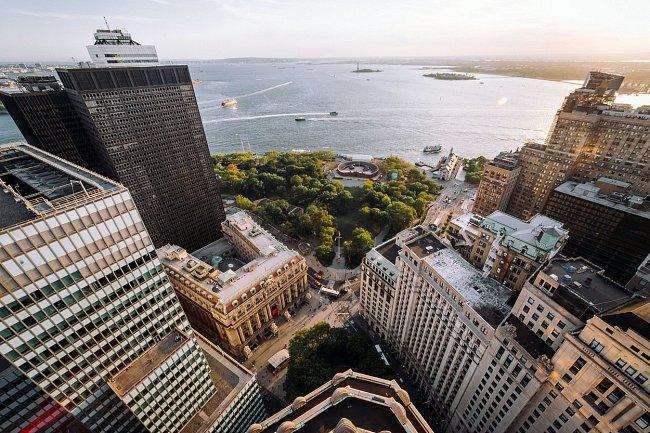 Nemůže chybět pohled na Battery Park a řeku Hudson.