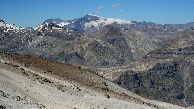 Za vulkány Chile (IX.): Mezi vulkány středního Chile. Do míst, o kterých průvodce mlčí