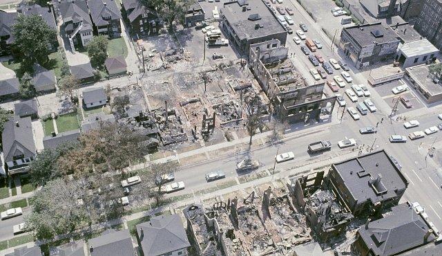 Jak umírá město: smrt Detroitu v přímém přenosu
