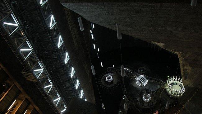 Opuštěný solný důl v Rumunsku uprostřed Transylvánie ohromuje svou velikostí i historií