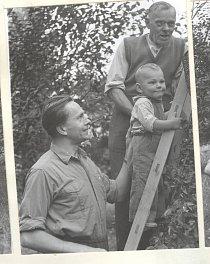 Tři generace Zikmundů. Rok 1956.