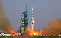 Start vesmírné lodi Šen-čou 9 v severozápadní Číně.