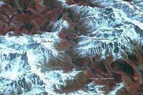 Vytvořila jej řeka Yarlung Tsangpo (fotografie ze dne 25. února 2001)