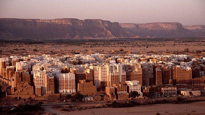 OBRAZEM: Manhattan v poušti. Nejstarší mrakodrapy na světě ukrývá jemenská poušť