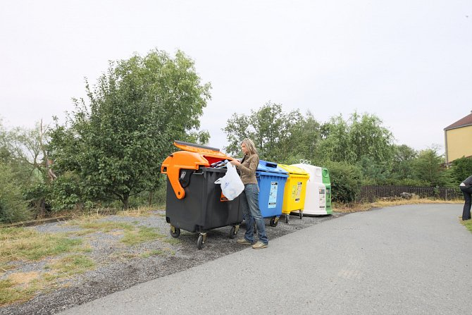 VČeské republice už aktivně třídí 73% obyvatel – každý pak ročně vytřídí vprůměru 47kilogramů papíru, skla, plastů a nápojových kartonů. Díky třídění a recyklaci obalových odpadů každoročně zachráníme zhruba 28kilometrů čtverečních přírody.