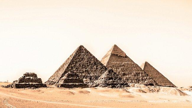 Tajemství stavitelů pyramid: jak přepravovali obrovské kameny