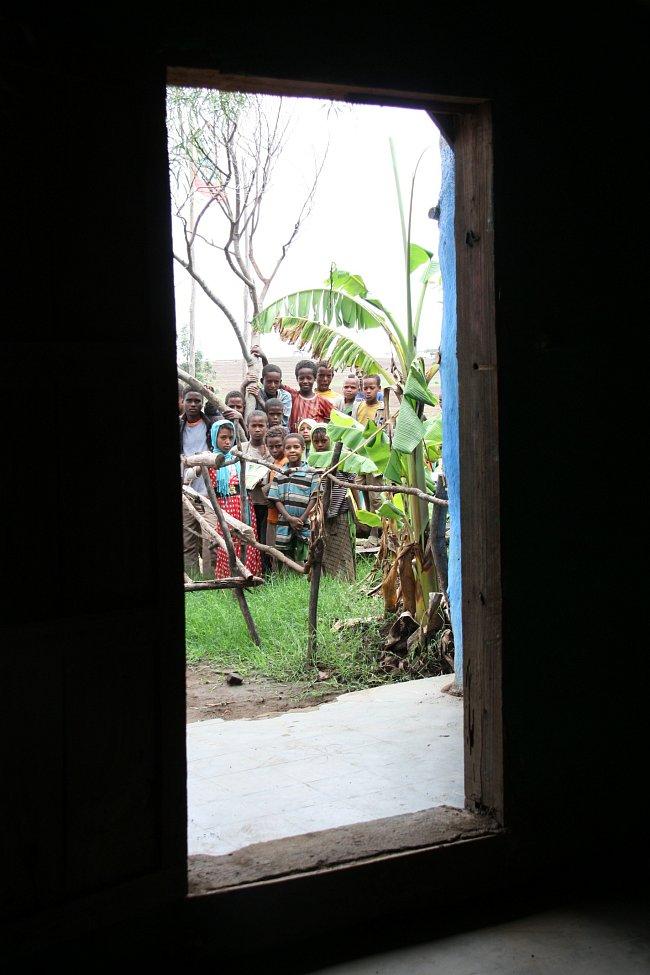 Základní škola Meja se nachází v Africe nedaleko města Alaba na jihu Etiopie.