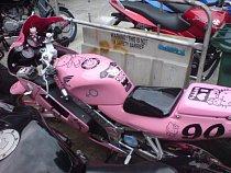 Hello Kitty motorka.