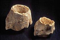 Držadla kamenných nástrojů