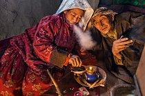 Abdal Mutálib a jeho žena začali kouřit opium, když jim zemřel syn; všech jejich 11 dětí zemřelo, aniž by se dožilo šesti let.