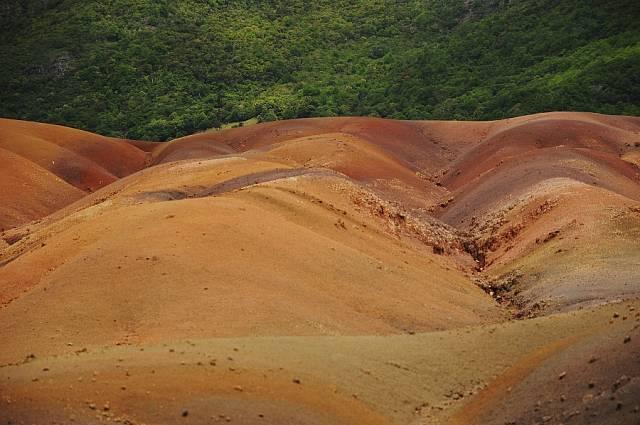 Pestrobarevné lávové duny