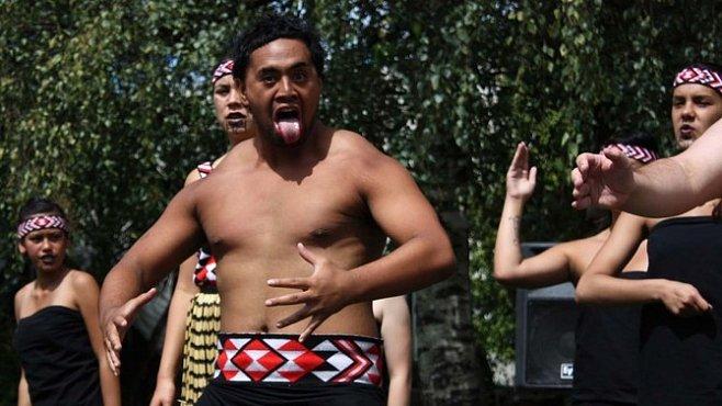 Země bílého mraku a člověk Nového Zélandu