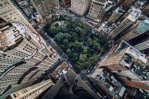 Nad Madison Square - ukázka toho, kam až se fotograf odváží zajít.