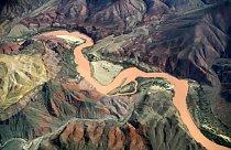 Řeka Colorado je dlouhá skoro 3 000 kilometrů.