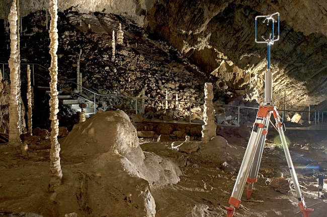 V současné době v jeskyni probíhá měření mikroklimatu.