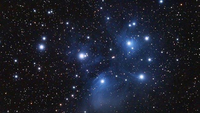 Kanibalismus ve vesmíru aneb Když se galaxie polykají navzájem