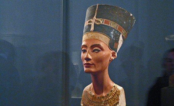 Spor o Nefertiti