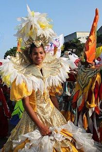 Kuba je tancem posedlá. Tancuje se všude. Na ulici, ve dne a v noci.