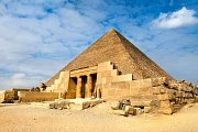 Cheopsova pyramida je jedním z archeologicky nejzkoumanějších objektů v Egyptě.