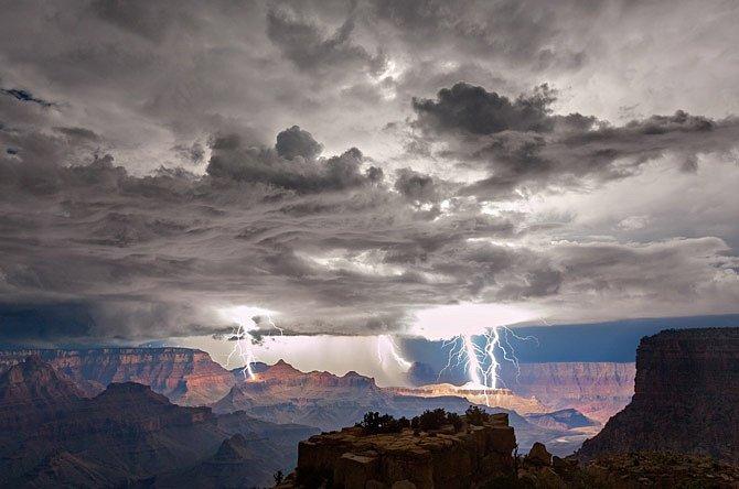 Blesky nad Grand Canyonem