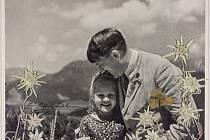 Snímek Hitlera s Rosou, který jde do aukce.