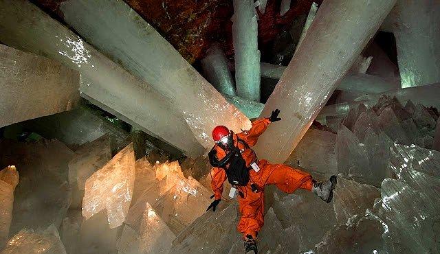 Jeskyně Naica: Největší krystaly na světě vypadají jako z ledu