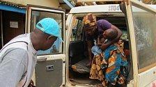Lékaři bez hranic: Den se sanitkou v Sierra Leone. Příběh muže,  který zachraňuje lidské životy