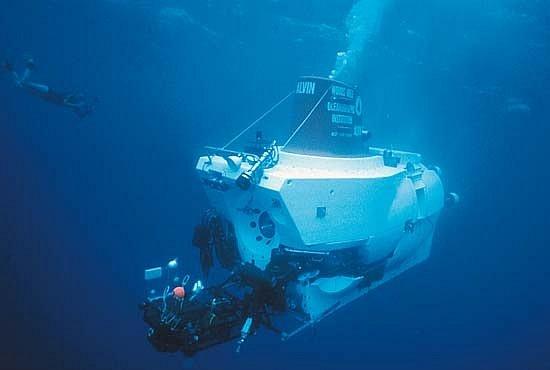 Seznamte se: Stroje, které nalezly Titanic