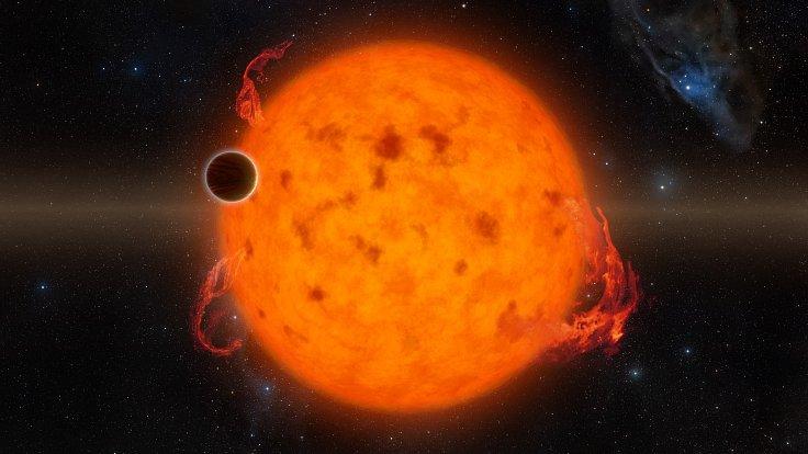 K2-33b je jednou z nejmladších dosud objevených exoplanet. Svou hvězdu oběhne za pět dní.