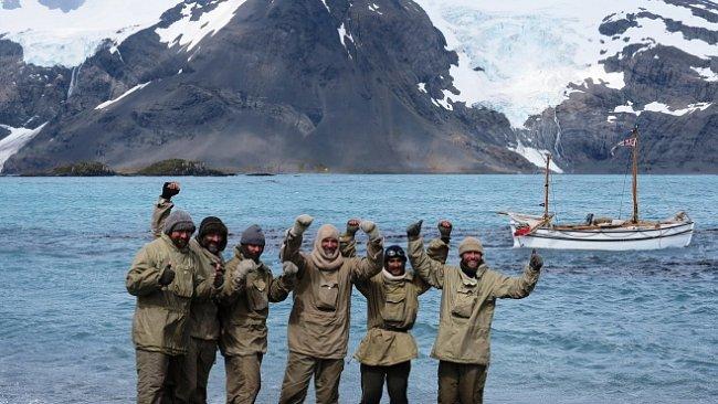V primitivním člunu 1480 kilometrů Antarktidou. Polárníci zopakovali Shackletonovu expedici