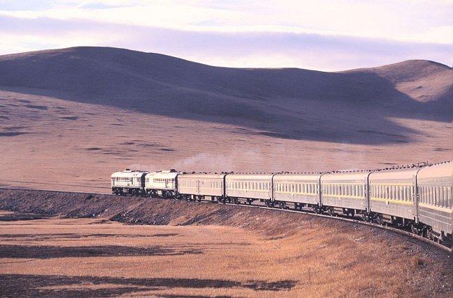 Nejdelší železniční trať na světě Transsibiřská magistrála by se mohla dočkat prodloužení.