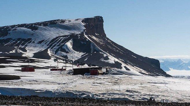 Češi na Antarktidě: Nečekaný návrat české expedice. Co se stalo?