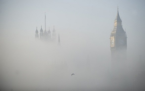 Pravá londýnská! Takto má vypadat mlha