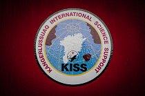 Kangerlussuaq International Science Support, zkráceně KISS, je důležitou organizací umožňující vědecký výzkum i v tak nehostinném prostředí, jako je Grónsko.
