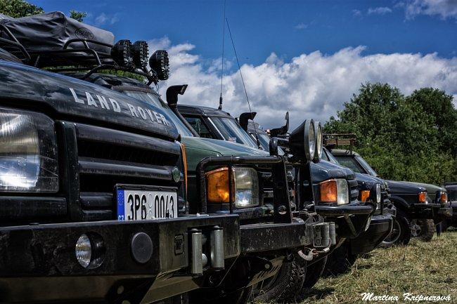 Přes 60 krasavců britské značky Land Rover přijelo v polovině června do západočeských Přeštic na 16. ročník Land Rover Cupu.