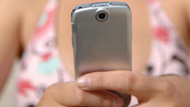 Je sexting normální, nebo puberťáky kazí?