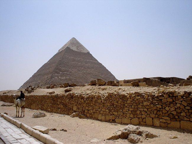 Egypt je exotickou destinací nabízející hřejivý sluneční svit, překrásné průzračné moře a velice osobitou kulturu.