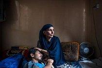 Farzána Šejcha postřelil indický policista 28. března 2017 brokovnicí do levého oka. Stalo se to kousek od domova v jeho čtvrti ve Šrínagaru, v Indií spravovaném Kašmíru. Náhodnou obětí se Šejch stal znovu v srpnu, kdy poté oslepl i na pravé oko.