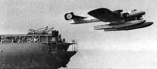Jeden ze dvou expedičních létajících člunů Dornier Wal (Do J IIf Bos).
