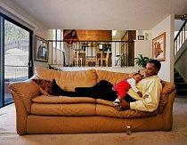 """Antonette a James, rok 2002: """"Stali jsme se poprvé rodiči, a navíc si právě koupili dům v Hayward Hills. Byli jsme mladí a měli velké sny. Toužili jsme dát naší dceři Danielle ten nejlepší život."""""""