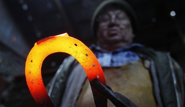 Archeologové objevili hrob kovářky. Mění to pohled na roli žen v pravěku