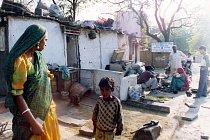 Skupina polokočovných kovářů Gadulia Lohare, Udaipur - Radžastán (Indie), 2002.