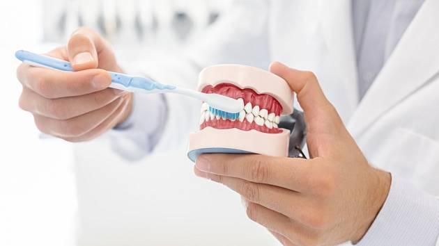 Bolest zubů je dobré z mnoha důvodů nepodceňovat.
