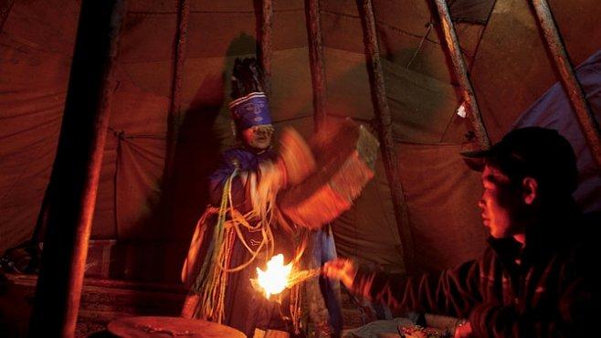 Šamani jsou mistry extáze. Návštívili jsme jejich obřad. EXKLUZIVNĚ PRO NG