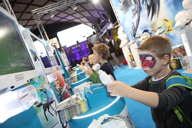 Zlatým hřebem programu se stane grandfinále soutěže v PC hrách BenQ Grunex Challenge 2015.